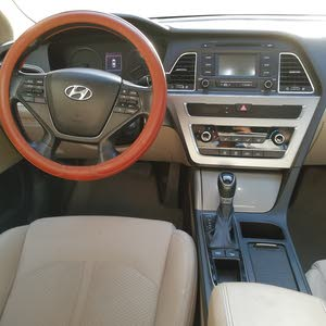 Automatic Hyundai 2015 for sale - Used - Jeddah city