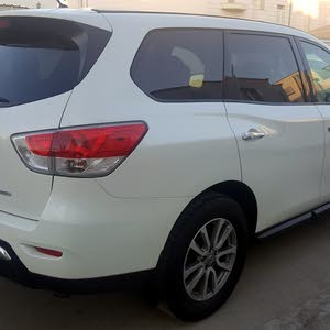 Automatic Nissan 2015 for sale - Used - Seeb city