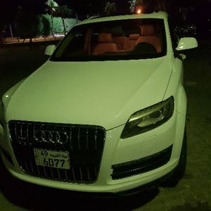 White Audi Q7 2010 for sale