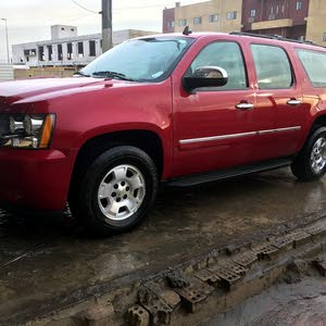 Chevrolet Suburban 2014 For sale - Red color