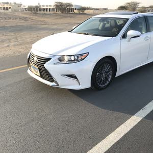 2018 Used ES with Automatic transmission is available for sale