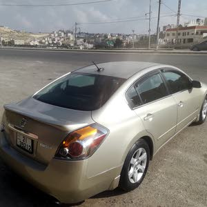 Nissan Altima 2009 For sale - Gold color