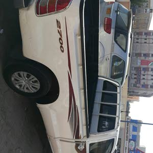 White Toyota Hilux 2011 for sale