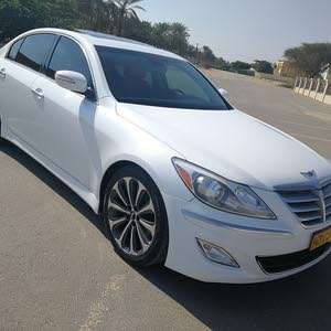 1 - 9,999 km Hyundai Genesis 2012 for sale