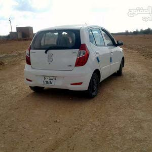 White Hyundai i10 2012 for sale