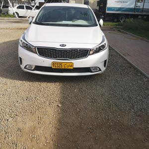 White Kia Cerato 2018 for sale