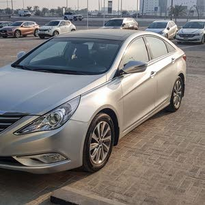 For sale Hyundai Sonata car in Manama