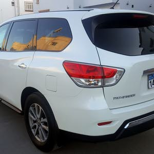 60,000 - 69,999 km Nissan Pathfinder 2015 for sale