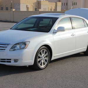 Used condition Toyota Avalon 2007 with +200,000 km mileage