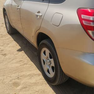 Toyota RAV 4 2012 For sale - Gold color
