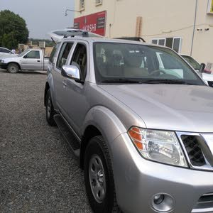 For sale 2010 White Pathfinder