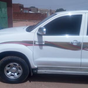 Hilux 2014 - Used Manual transmission