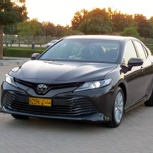 Toyota Camry 2018 For sale - Brown color