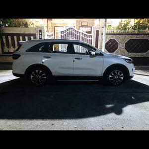 Kia Sorento 2018 For sale - White color