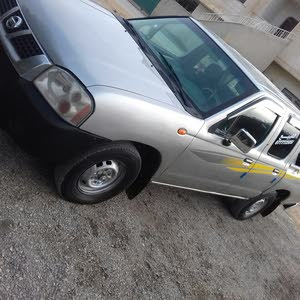 Nissan Pickup 2003 For sale - Silver color