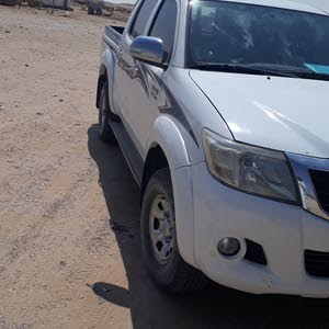 For sale 2015 White Hilux