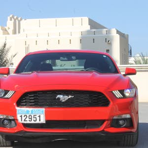 Ford Mustang car for sale 2016 in Suwaiq city