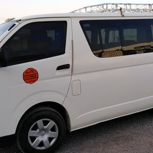 Gasoline Fuel/Power   Toyota Hiace 2015