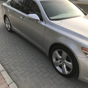 Used Lexus LS for sale in Fujairah