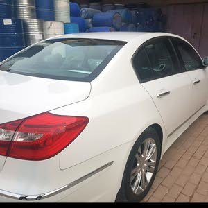 Hyundai Genesis made in 2014 for sale
