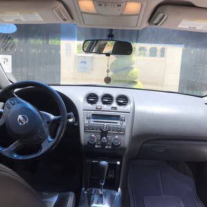 سيارة نيسان التيما 2010 للبيع