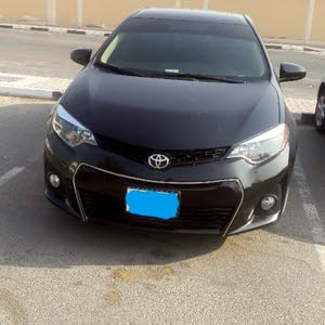 Corolla 2015 car .in good condition .with Full insurance and makiya