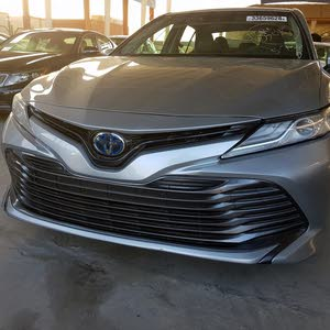 Toyota Camry 2018 For sale - Silver color