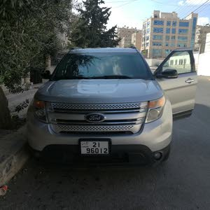 For sale Ford Explorer car in Amman