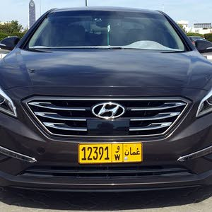 Automatic Hyundai 2017 for sale - Used - Buraimi city