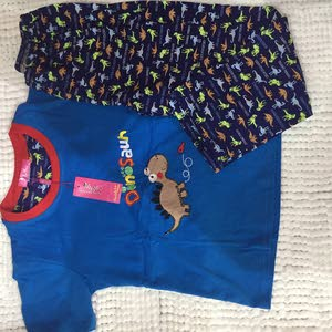 التجاره ملابس أطفال
