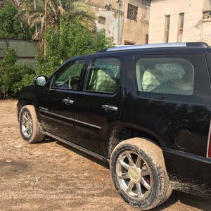 Used condition GMC Yukon 2010 with  km mileage