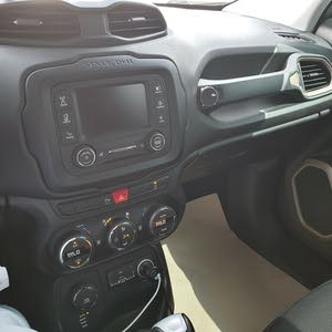Used 2016 Renegade in Abu Dhabi