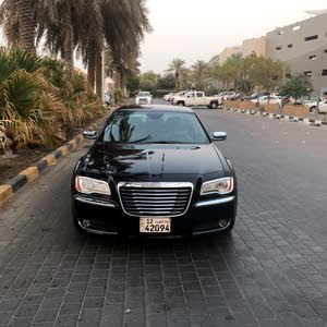 condition Chrysler 300C 2014 with  km mileage