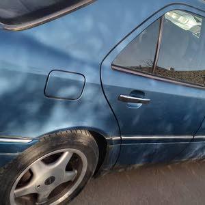 مرسيدس هرم c200 موديل 2001 كمبيو توماتك ماشية 119 ومدوسكة وفتحة في السقف مفتاح ع