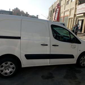 Manual Peugeot 2015 for sale - Used - Farwaniya city