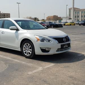 Flawless Nissan Altima GCC 2.5 S 2014 for sale!!!!