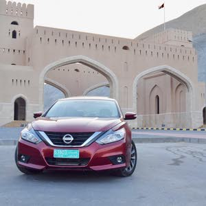 Nissan Altima car for sale 2016 in Rustaq city