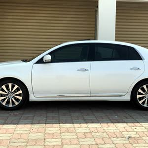Toyota Avalon car for sale 2012 in Saham city