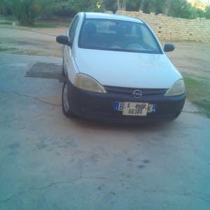 White Opel Corsa 2002 for sale