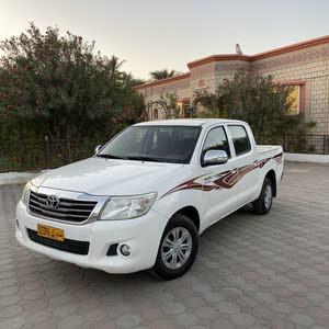 تويوتا هايلوكس موديل 2014 رقم واحد قوة المحرك 2700 سي سي تأمين سنه عمان والامارت