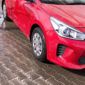 Automatic Red Kia 2018 for sale