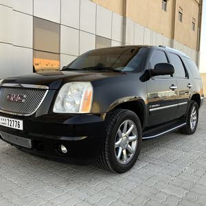 Used GMC Yukon for sale in Um Al Quwain