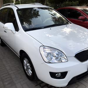 Kia Carens 2013 for urgent sale