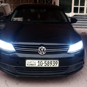 Volkswagen Jetta car for sale 2012 in Hawally city