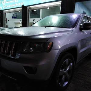 Jeep Cherokee 2011 For sale - Grey color