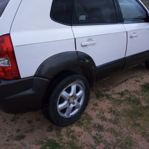 Hyundai Tucson 2005 For sale - White color