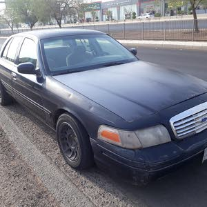 Used condition Ford Crown Victoria 1999 with +200,000 km mileage