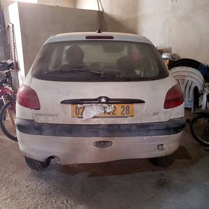 بيجو 206 معرضة لحادث
