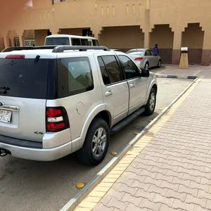 Automatic Silver Ford 2010 for sale