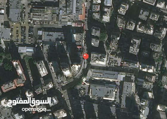 مستودع للبيع في بيروت منطقة عين الرمانة ( شيك مصرفي )سعر مغرٍ
